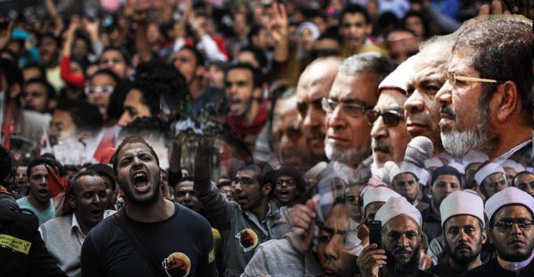 الإخوان المسلمين والقوي الثورية وسيناريوهات المستقبل