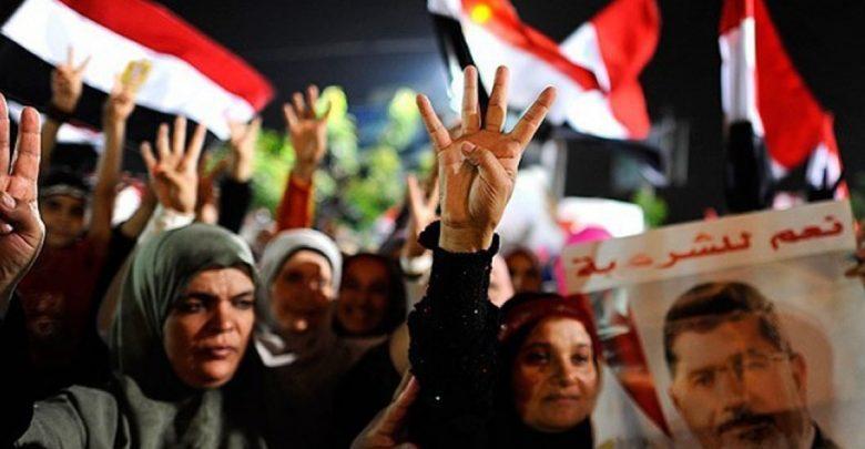 الإخوان وإدارة العلاقات مع القوى السياسية المؤيدة للثورة