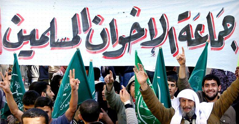 الإخوان المسلمون: بين النقد والنقض