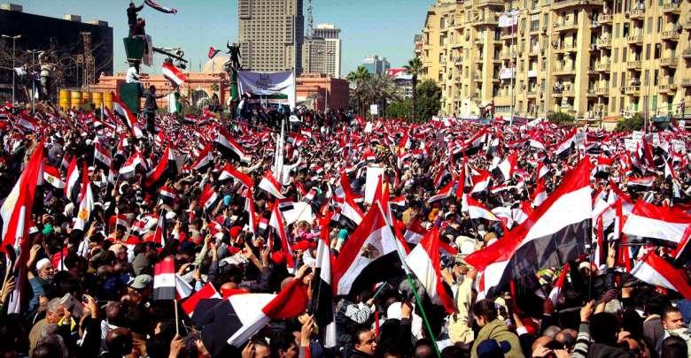 """مراجعات الثورة المصرية: معارك """"الثقة"""""""