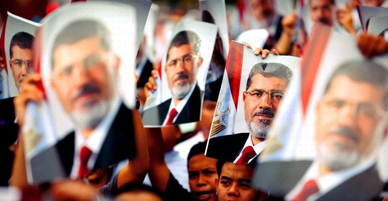 إلى ثوار مصر: لماذا التمسك بالشرعية؟