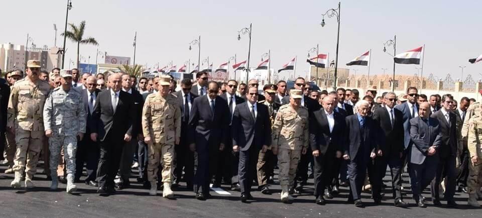 السيسي يتقدم جنازة الفريق صفي الدين أبو شناف