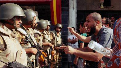 العلاقات المدنية العسكرية في الديموقراطيات الناشئة