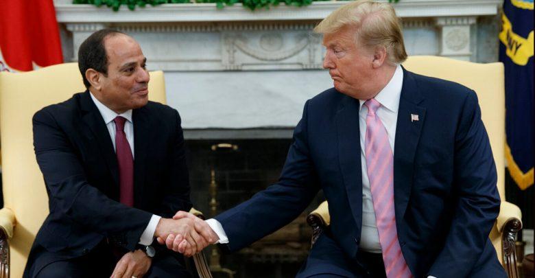 مصر تنزلق بشكل خطير بعيداً عن الديمقراطية