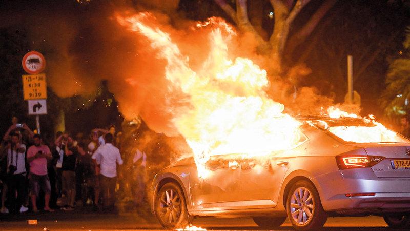 احتجاج وتخريب في تل أبيب بعد تعرض يهودي إثيوبي للقتل علي يد جندي عن عمد