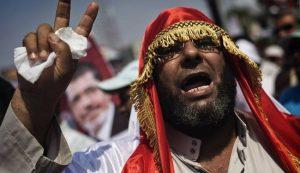 """الإخوان يرفضون """"الانقلاب"""" ويقاطعون السلطة """"المُغتصِبة"""""""