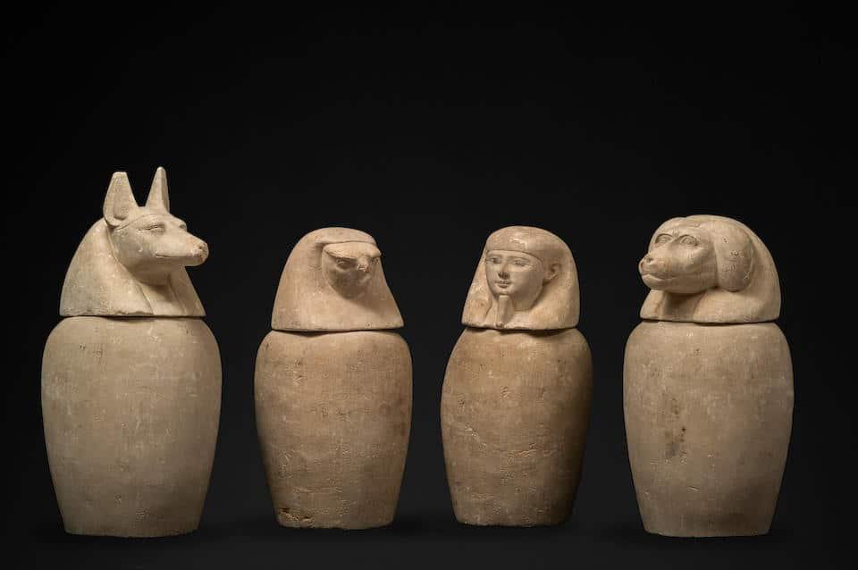 مزادان علنيان للآثار المصرية بلندن-1