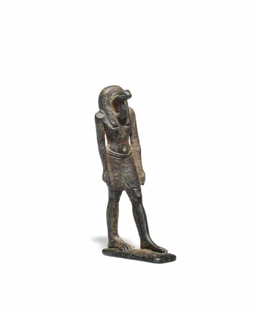مزادان علنيان للآثار المصرية بلندن-39