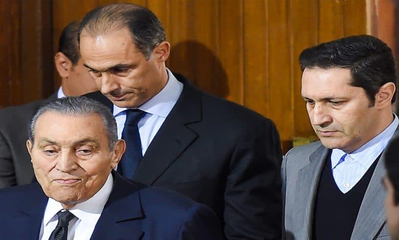 رسائل كلينتون: أميركا وراء إعلان عدم ترشح مبارك وابنه في الانتخابات