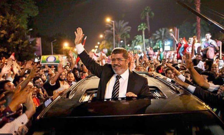 رسائل كلينتون العسكر يبلغون الإخوان بفوز مرسي قبل الإعلان الرسمي