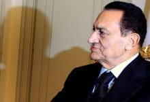 Photo of رسائل كلينتون: خيارات التغيير والانتقال السلمي قبل تنحي مبارك
