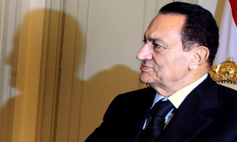 رسائل كلينتون خيارات التغيير والانتقال السلمي قبل تنحي مبارك