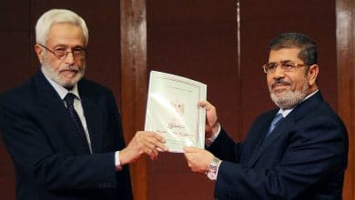 Photo of رسائل كلينتون: مرسي والإخوان والإنقاذ قبل استفتاء الدستور