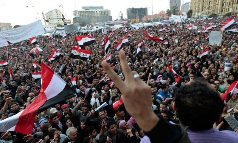 Photo of عشر سنوات على ثورة يناير: أحلام تراوح مكانها!