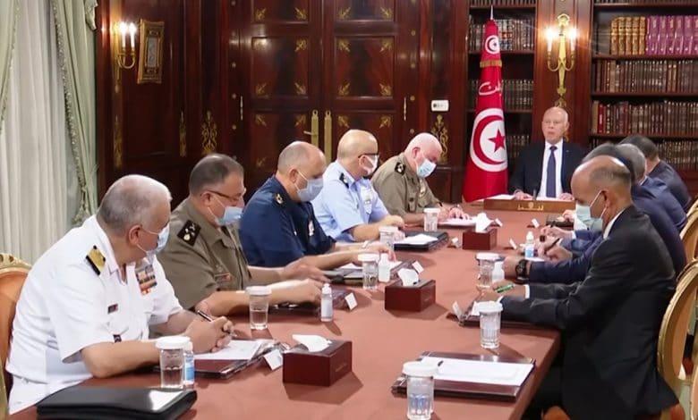 الانقلاب الرئاسي على الديمقراطية في تونس